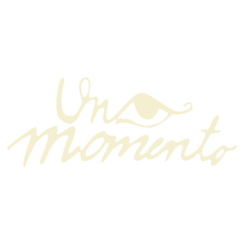Logo Un Momento